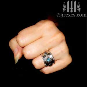 3-wishes-silver-medieval-wedding-ring-blue-topaz-stones-model-making-fist