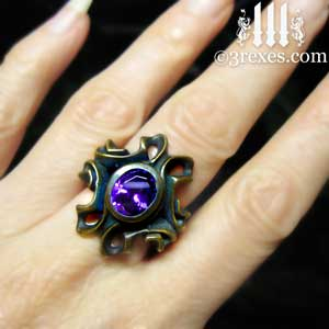 brass-empress-vampire-ring-japanese-amethyst-purple-stone-model-view-cocktail-statement-womans-ring