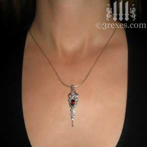 celtic-dripping-princess-necklace-garnet-model