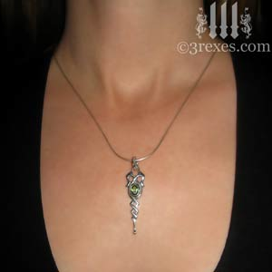 celtic-dripping-princess-necklace-green-peridot-model