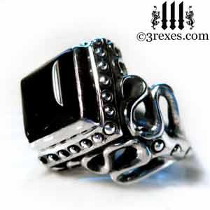 raven-love-silver-wedding-ring-gothic-black-onyx-cabochon-stone-medieval-engagement-band-side-view cocktail and promise rings