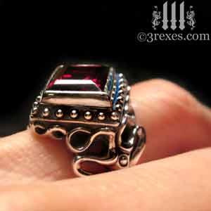 raven-love-silver-wedding-ring-gothic-garnet-stone-medieval-engagement-band-model-detail