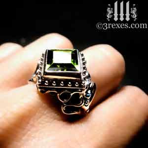 raven-love-silver-wedding-ring-green-peridot-stone-model-detail by 3 rexes Jewelry