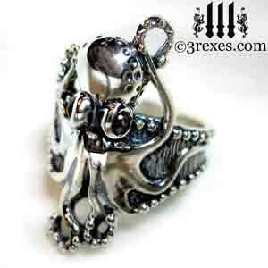 silver-octopus-dream-ring-black-onyx-cabochon-stone-eyes-studded-band-side-detail gothic by 3 rexes jewelry