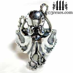 silver-octopus-ring-moonstone-cabochon-stone-eyes