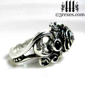 silver-rose-moon-spider-ring-black-onyx-cabochon-stone-wedding-engagement-moon-detail.jpg