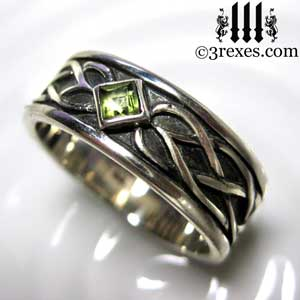 soul-love-anam-gra-mens-silver-celtic-wedding-ring-green-peridot-stone-3-august-birthstone