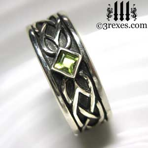 soul-love-anam-gra-mens-silver-celtic-wedding-ring-green-peridot-stone