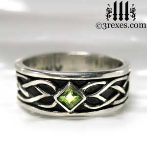 soul-love-anam-gra-mens-silver-celtic-wedding-ring-green-peridot-stone-front-gothic-band